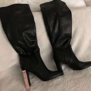 Unisa Black Leather Boots